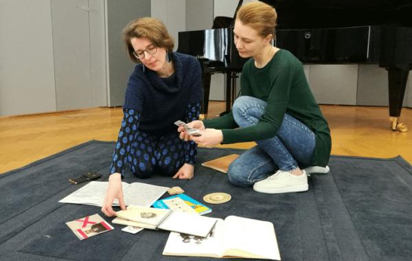 """""""… einen persönlichen Zugang zum Werk finden!"""" – Monika Musil und Katharina Wallaberger (Arnold Schönberg Center) im mica-Interview"""