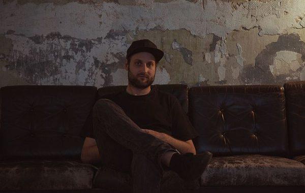 """""""Ich versuche meinen persönlichen Stil fernab vom Hip-Hop weiterzuentwickeln"""" – PETER KALCIC [B.VISIBLE] im mica-Interview"""