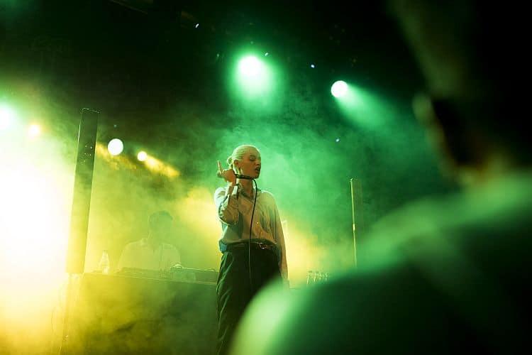 Bils Mavi Phoenix live at Apolo