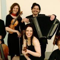 "Bild von Monica Tarcsay und dem ""Quinteto del ArcoNuevo"""