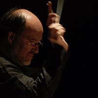 Walter Kobéra beim Dirigieren