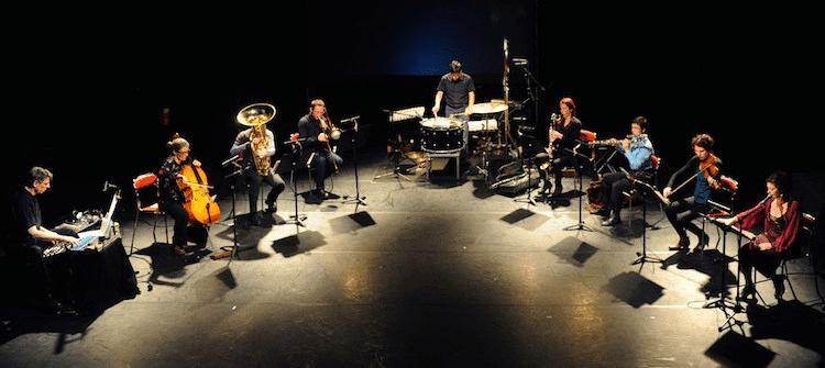 Das ensemble hiatus spielt Peter Jakober