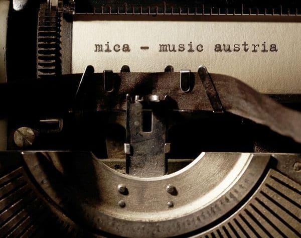mica_typewriter